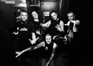 Architects band 2017, Architects, Sam Carter, Alex Dean, Adam Christianson, Dan Searle, Tom Searle, Nightmares, Ruin, Hollow Crown , The Here and Now , Daybreaker, Epitaph Records, All Our Gods Have Abandoned Us, Nihilist, Deathwish, Phantom Fear , Downfall , Gone With The Wind, The Empty Hourglass , A Match Made in Heaven , Gravity, All Love is Lost , From The Wilderness, Memento Mori , Alan Watts, Architects Uk, Architects band, metalcore, progressive metalcore, screaming estremo, fry screaming, mid range growl, albums, sickandsound