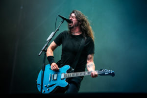Foo Fighters Firenze Rocks 14 Giugno 2018 Dave Grohl, Foo Fighters Live @ Firenze Rocks 14 Giugno 2018, Foo Fighters Firenze Rocks 2018 Live Report, Foo Fighters Firenze Rocks 2018 Live Report recensione, Foo Fighters Firenze Rocks 2018 concerto, Giuseppe Naso, sickandsound, Foo Fighters Firenze Rocks 14 Giugno 2018 Dave Grohl, Foo Fighters Guns N Roses Firenze Rocks, Foo Fighters Visarno Arena Firenze Rocks 2018, Foo Fighters Live @ Firenze Rocks 14 Giugno 2018 Dave Grohl, Foo Fighters, Foo Fighters band, Foo Fighters Firenze Rocks 2018, Concrete and Gold, listen to latest album by Foo Fighters, listen to Concrete and Gold, Concrete and Gold review, Sonic Higways, broken leg tour, The Colour and the Shape, Greg Kurstin, Alternative rock, Post grunge, Garage rock, Roswell Records, Sony Music, Dave Grohl, Chris Shiflett, Pat Smear, Nate Mendel, Rami Jaffee, Taylor Hawkins, Firenze Rocks primo giorno, Run All My Life, Learn to Fly, The Pretender, The Sky Is a Neighborhood, Rope, Drum Solo, Sunday Rain, My Hero, These Days, Walk Imagine / Jump / Blitzkrieg Bop (with Band Introduction), Under Pressure (Queen cover), It's So Easy (Guns N' Roses cover) (con Axl Rose, Slash, & Duff McKagan), Monkey Wrench, Wheels, Breakout, Dirty Water, Best of You, Times Like These, This Is a Call, Everlong, Foo Fighters Firenze Rocks 14 Giugno 2018 setlist, Foo Fighters Firenze Rocks 14 Giugno 2018 scaletta