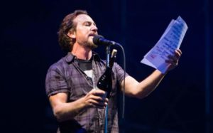 Pearl Jam Padova 24 giugno 2018 Eddie Vedder, Pearl Jam, Pearl Jam band, grunge, alternative rock, alternative metal, post-grunge, Eddie Vedder, Stone Gossard, Mike McCready, Jeff Ament, Matt Cameron, Ten, Vs.,Vitalogy, No Code, Yield, Binaural, Riot Act, Pearl Jam album, Backspacer, Lightning Bolt, Pearl Jam Stadio Euganeo Padova 24 giugno 2018, Pearl Jam live Padova 24 giugno 2018, Pearl Jam Padova 24 giugno 2018 live report, Pearl Jam Live Report Verona, Pearl Jam European Tour 2018, sickandsound, Andrea Ascani, live report, Peral Jam live reports 2018, Pearl Jam concert Italy, Monkeywrench Records, Republic Records, Pearl Jam Stadio Euganeo Padova 24 giugno 2018 recensione, Pearl Jam Verona recensione, Pearl Jam Verona review, Pearl Jam Verona live report, Pearl Jam Padova setlist, Pendulum, Low Light, Last Exit, Do the Evolution, Animal, Corduroy, Given to Fly, Gods' Dice, Not for You, Even Flow, Daughter, Red Mosquito, Mind, Your Manners, Down, Spin the Black Circle, Porch, Elderly Woman Behind the Counter in a Small Town, Inside Job, Once, Better Man, Black, Crazy Mary, Rearviewmirror, Smile, Alive, Baba O'Riley, Indifference