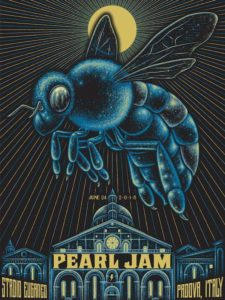 Pearl Jam Padova 24 giugno 2018 flyer, Pearl Jam, Pearl Jam band, grunge, alternative rock, alternative metal, post-grunge, Eddie Vedder, Stone Gossard, Mike McCready, Jeff Ament, Matt Cameron, Ten, Vs.,Vitalogy, No Code, Yield, Binaural, Riot Act, Pearl Jam album, Backspacer, Lightning Bolt, Pearl Jam Stadio Euganeo Padova 24 giugno 2018, Pearl Jam live Padova 24 giugno 2018, Pearl Jam Padova 24 giugno 2018 live report, Pearl Jam Live Report Verona, Pearl Jam European Tour 2018, sickandsound, Andrea Ascani, live report, Peral Jam live reports 2018, Pearl Jam concert Italy, Monkeywrench Records, Republic Records, Pearl Jam Stadio Euganeo Padova 24 giugno 2018 recensione, Pearl Jam Verona recensione, Pearl Jam Verona review, Pearl Jam Verona live report, Pearl Jam Padova setlist, Pendulum, Low Light, Last Exit, Do the Evolution, Animal, Corduroy, Given to Fly, Gods' Dice, Not for You, Even Flow, Daughter, Red Mosquito, Mind, Your Manners, Down, Spin the Black Circle, Porch, Elderly Woman Behind the Counter in a Small Town, Inside Job, Once, Better Man, Black, Crazy Mary, Rearviewmirror, Smile, Alive, Baba O'Riley, Indifference