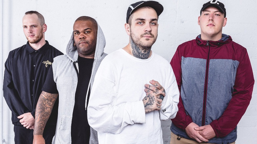 Emmure, Emmure band, Emmure album 2020, Emmure metalcore band, metalcore, deathcore, nu metalcore, SharpTone Records, (F)inally (U)nderstanding (N)othing, Trash Folder, Pig's Ear, Gypsy Disco, I've Scene God, Persona Non Grata, Thunder Mouth, Pan's Dream, 203, Informal Butterflies, Action, Bastard Ritual, Uncontrollable Descent, Listen to Emmure Hindsight, Emmure Hindsight, Stream Emmure Hindsight, Ascolta Emmure Hindsight, Emmure Hindsight review, Emmure Hindsight recensione, recensioni metalcore, metalcore reviews, Emmure new album, Emmure Hindsight tracklist, Emmure Hindsight artwork, Emmure Hindsight release date, metalcore albums June 2020, metalcore releases June 2020, metalcore 2020, metalcore June 2020, nuove uscite metalcore, metalcore giugno 2020, Frankie Palmeri, Joshua Travis, Josh Miller, Nicholas Pyatt, Emmure lineup, Emmure album, Emmure Hindsight album